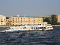 Теплоход Москва 183