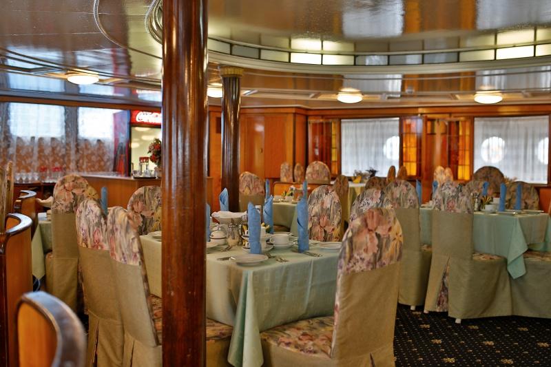 И.А.Крылов. Ресторан на главной палубе